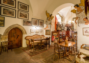 Facilities baroque cafés | Charles Bridge Museum